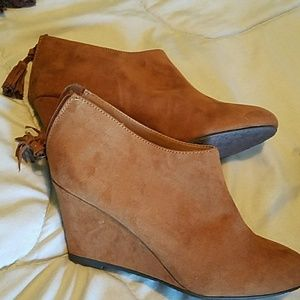 Cute ankle brown boots